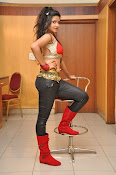 Shreya Vyas New Sizzling photos-thumbnail-2
