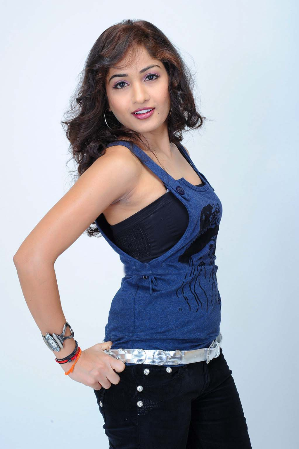 Bhabi Armpit Shows Desi Girl Eposes Armpits Images Hairy