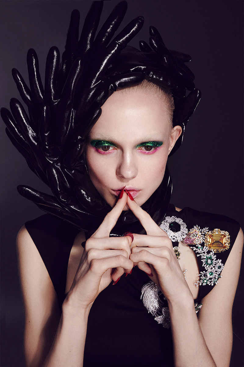 Futuristic Alien Avant Garde Black Glove Edgy Makeup