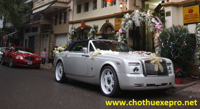 Cho thuê xe cưới Rollroyce Phantom tại Hà Nội