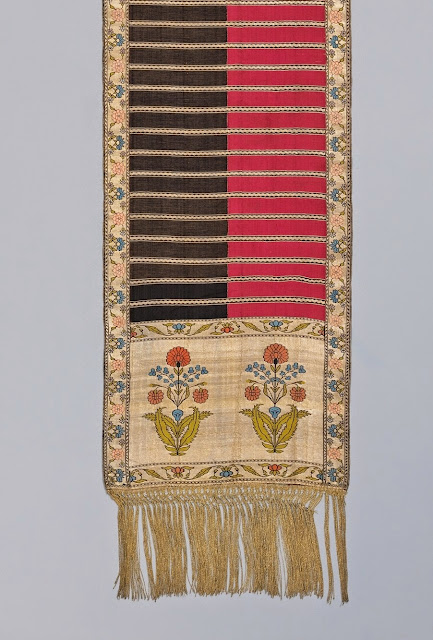 Four patterned Sluck sash 1780