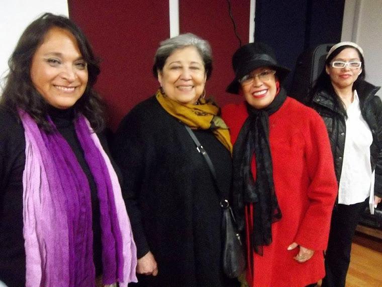 Con Leticia Sandoval y la Poeta Carmen Berenguer