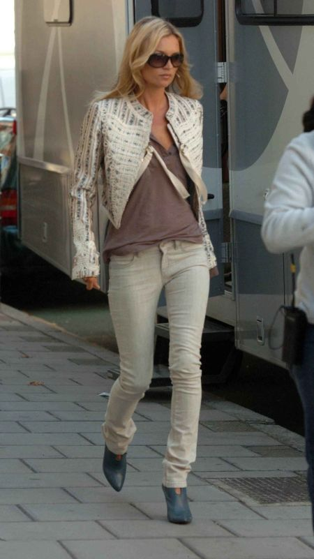 Kate Moss stylish street style beige and neutral color outfit