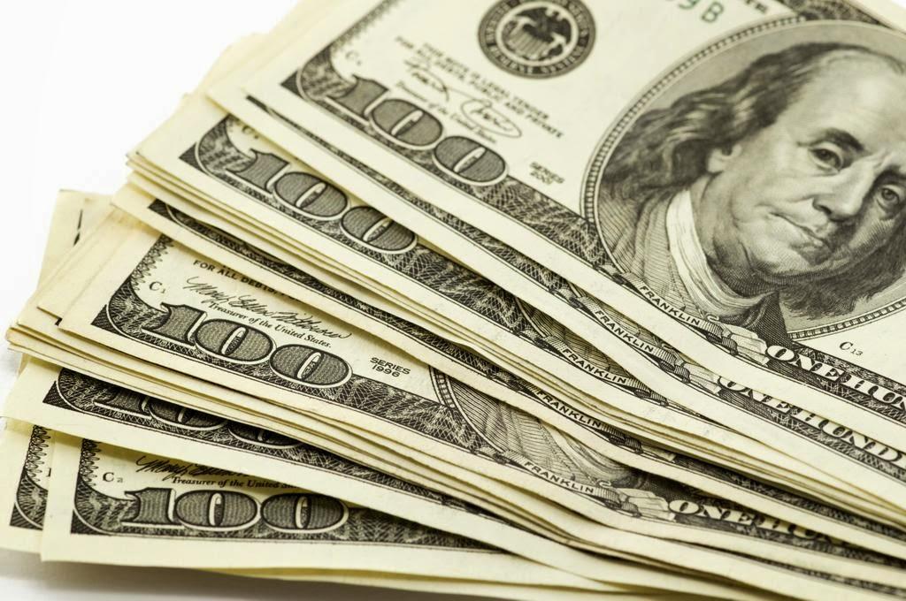 Lima Tips Perjalanan untuk Menyimpan Uang di Penerbangan
