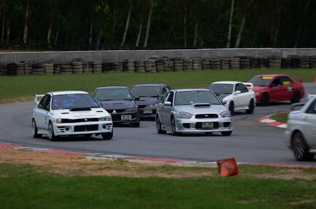 Mitsubishi Lancer Evolution & Subaru Impreza WRX STi, odwieczni rywale, kultowe sportowe samochodym, japońskie fury, JDM