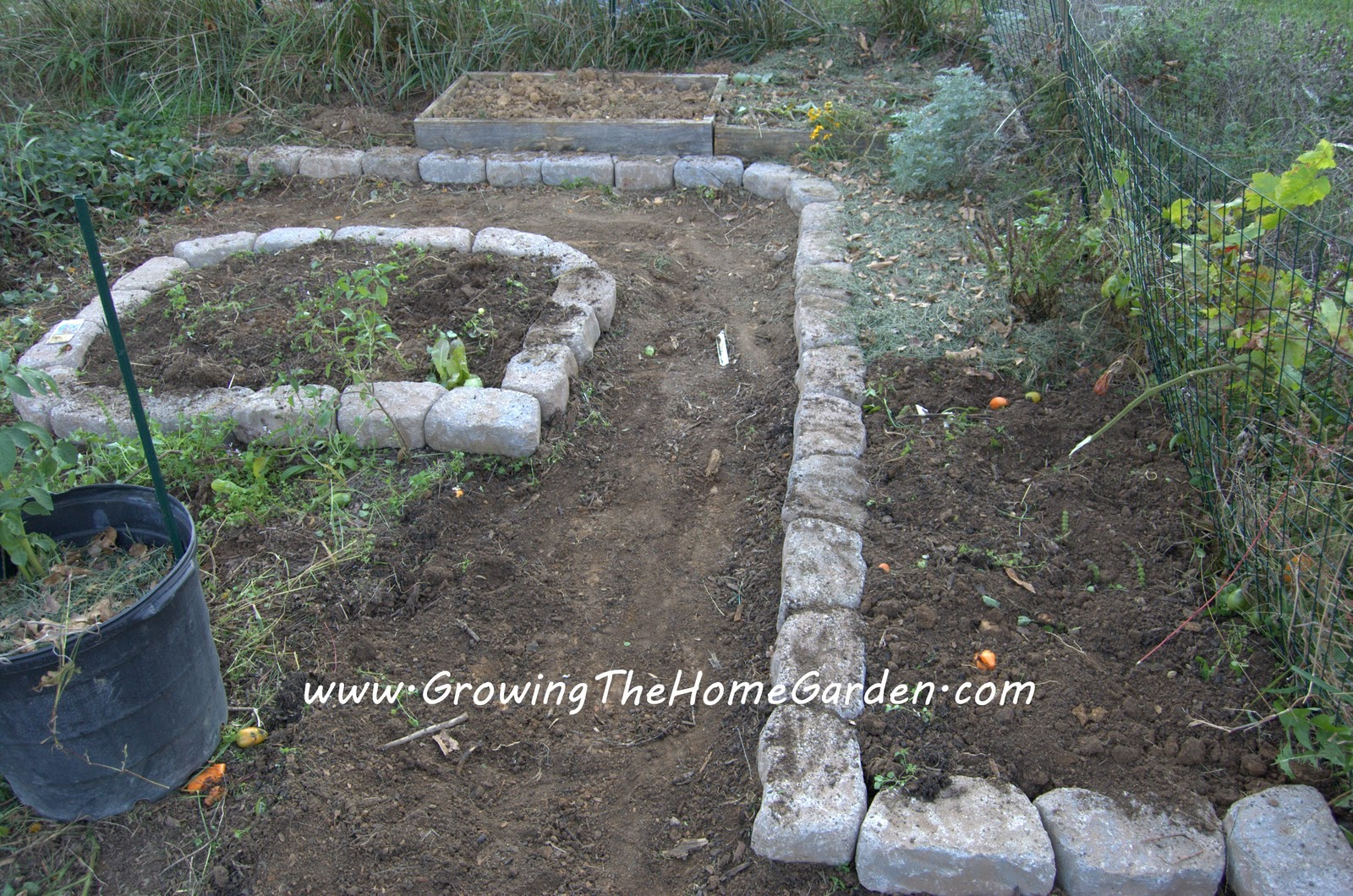 Delicieux Raised Bed Vegetable Garden With Stone Borders