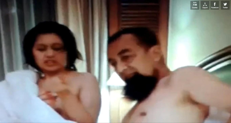 RUNGKAI ISU VIDEO SKANDAL MEMIPIT USTAZ AZHAR IDRUS