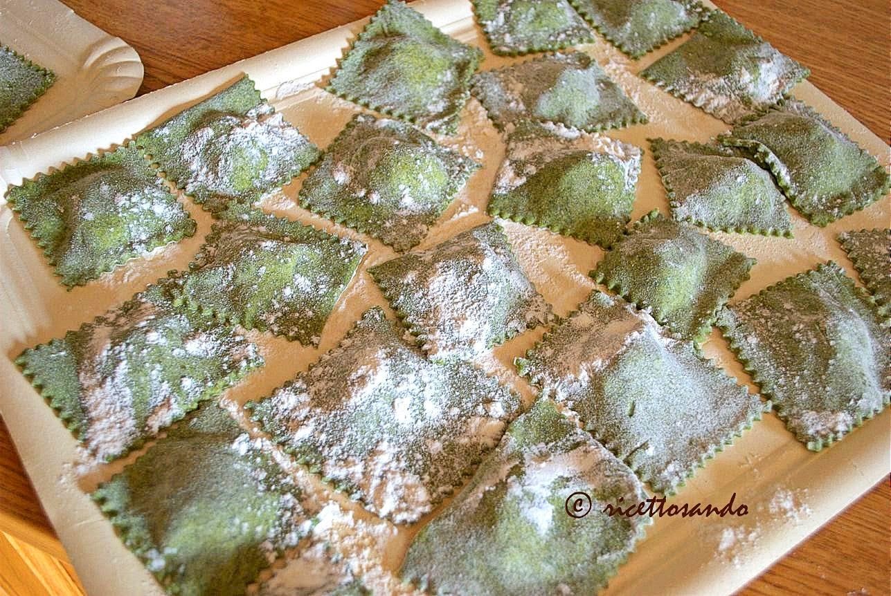 Tortelli verdi di spinaci con ricotta ricetta base di pasta ripiena