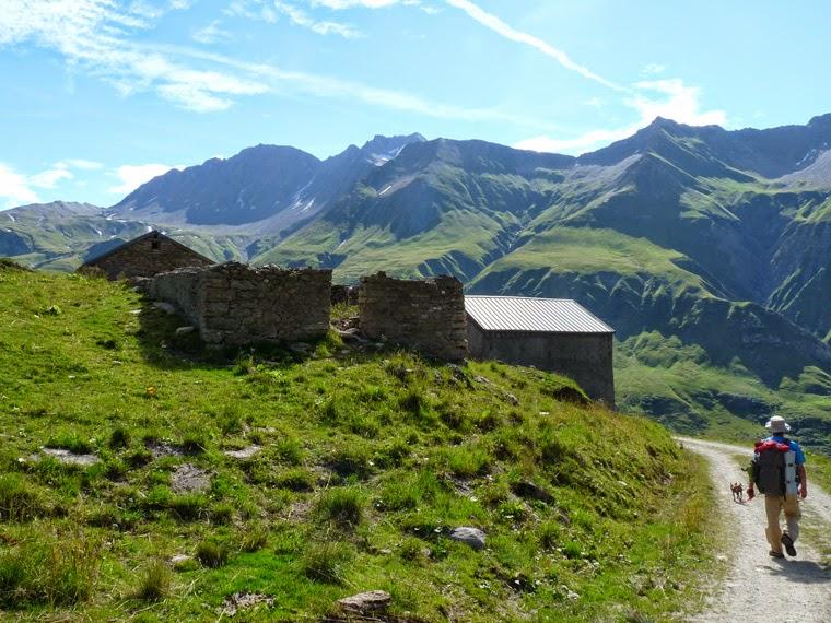 ツールドモンブラン フール峠からグラシエールへの下り レ・テュフ小屋 Les Tufs