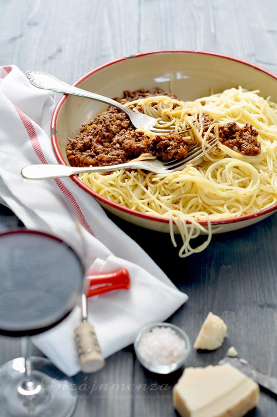 Pörköltes spagetti