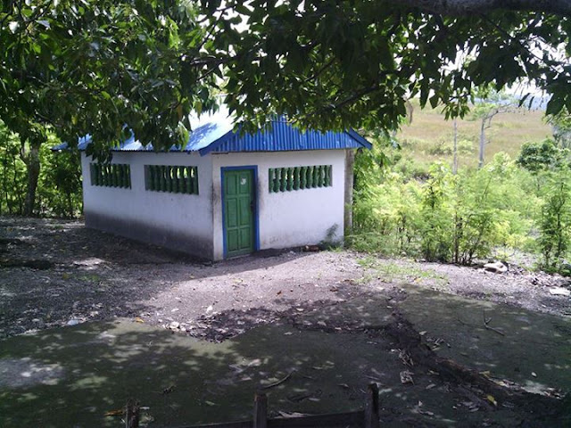 Makam Tosalamaq 1 Desa Pamboqborang Majene