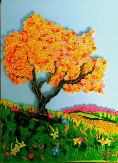 Осенний пейзаж с деревом в технике квиллинг