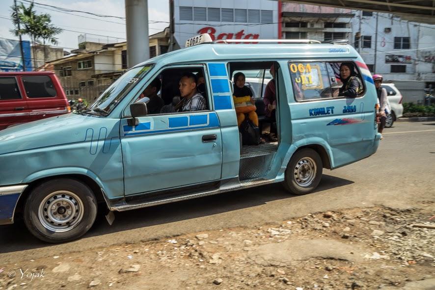 Microlet à Jakarta