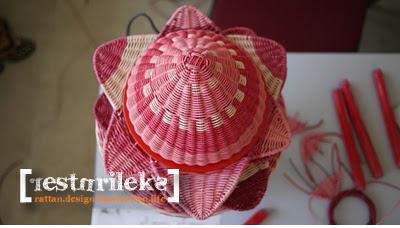 flower rattan lamp