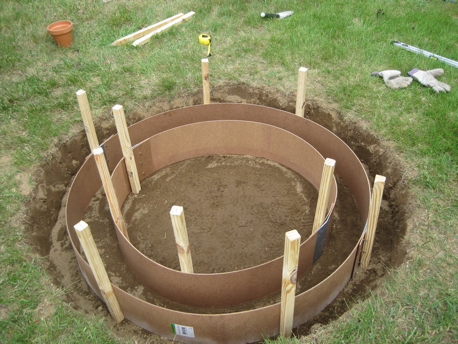 Jemstaa the fire pit project day 1 for Deep pit bbq construction