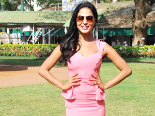 Veena Malik at Wadia Cup Derby