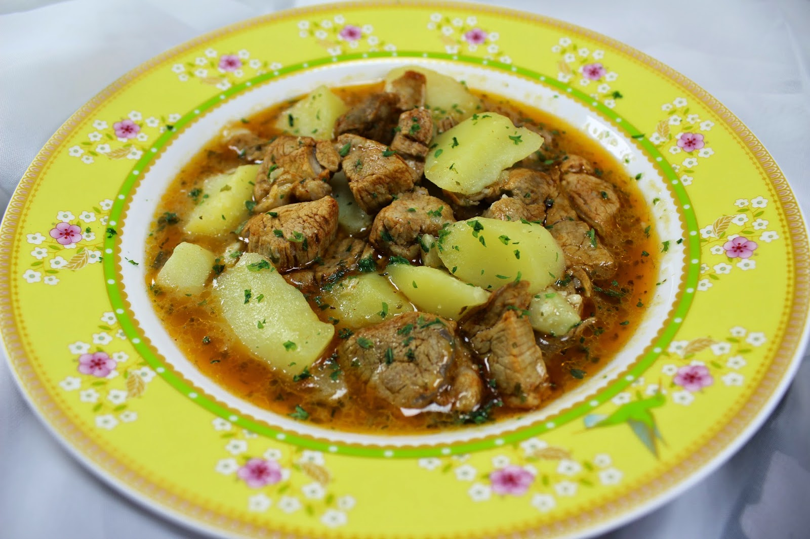 Guiso de solomillo con patatas Ana Sevilla cocina tradicional
