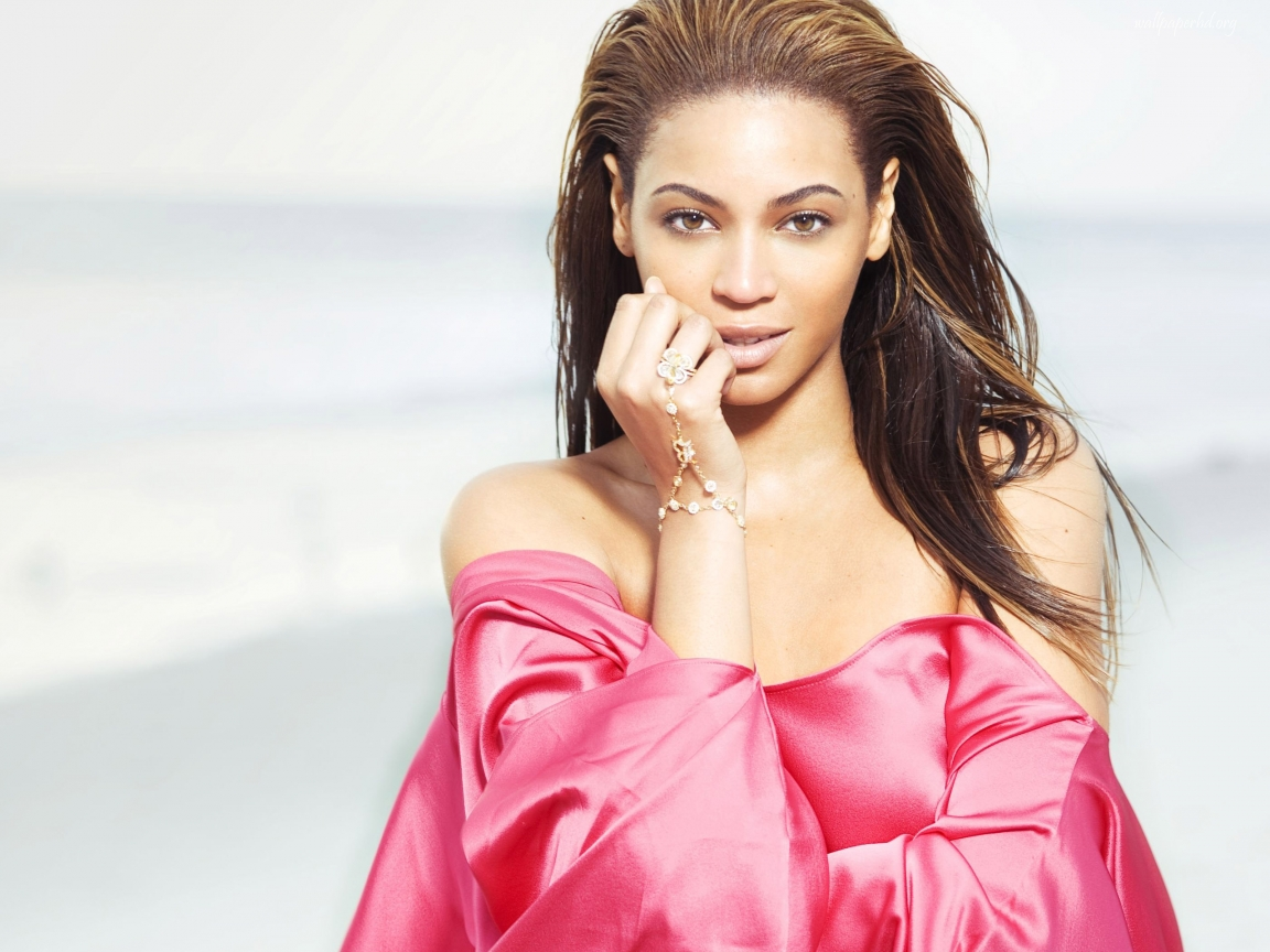 Beyonce - Celebrity Photos and Styles