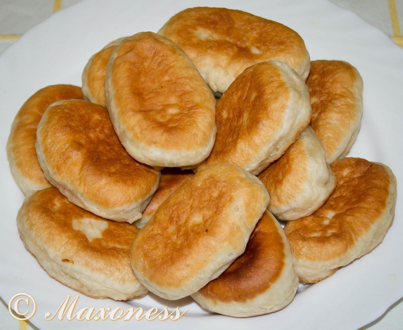 Постные жареные пирожки с картофелем и луком