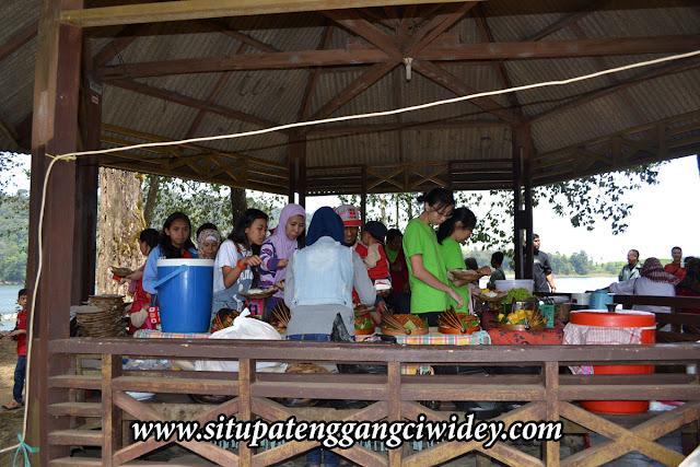 Situ Patenggang di Kunjungi PT.Karya Anugrah Sejahtera Sunter JKU