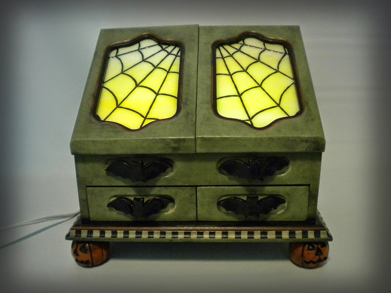 https://www.etsy.com/listing/195090959/ooak-vintage-style-halloween-light-up?ref=listing-0