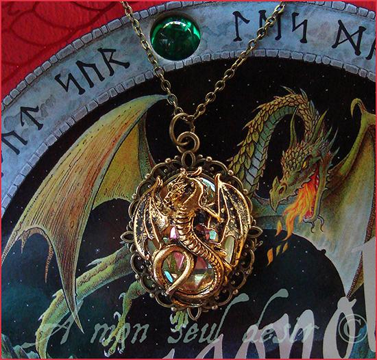 Collier Dragon médiéval Targaryen Smaug