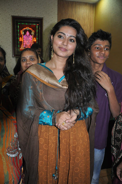 sneha new @ cafe chokolade launch actress pics