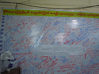 >Local Burmese Journalists raised and donate charity to support political prisoners through NLD