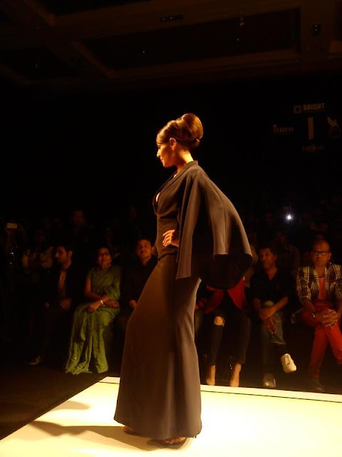 Bipasha Basu stunning walks on the ramp for Shantanu & Nikhil at Lakhme Fashion Week