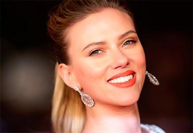 Saiba porquê Scarlett Johansson se sente uma mulher sortuda