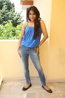 Actress Rashmi Gautam Pictures in Jeans at tur Talkies Movie Press Meet   (49).JPG
