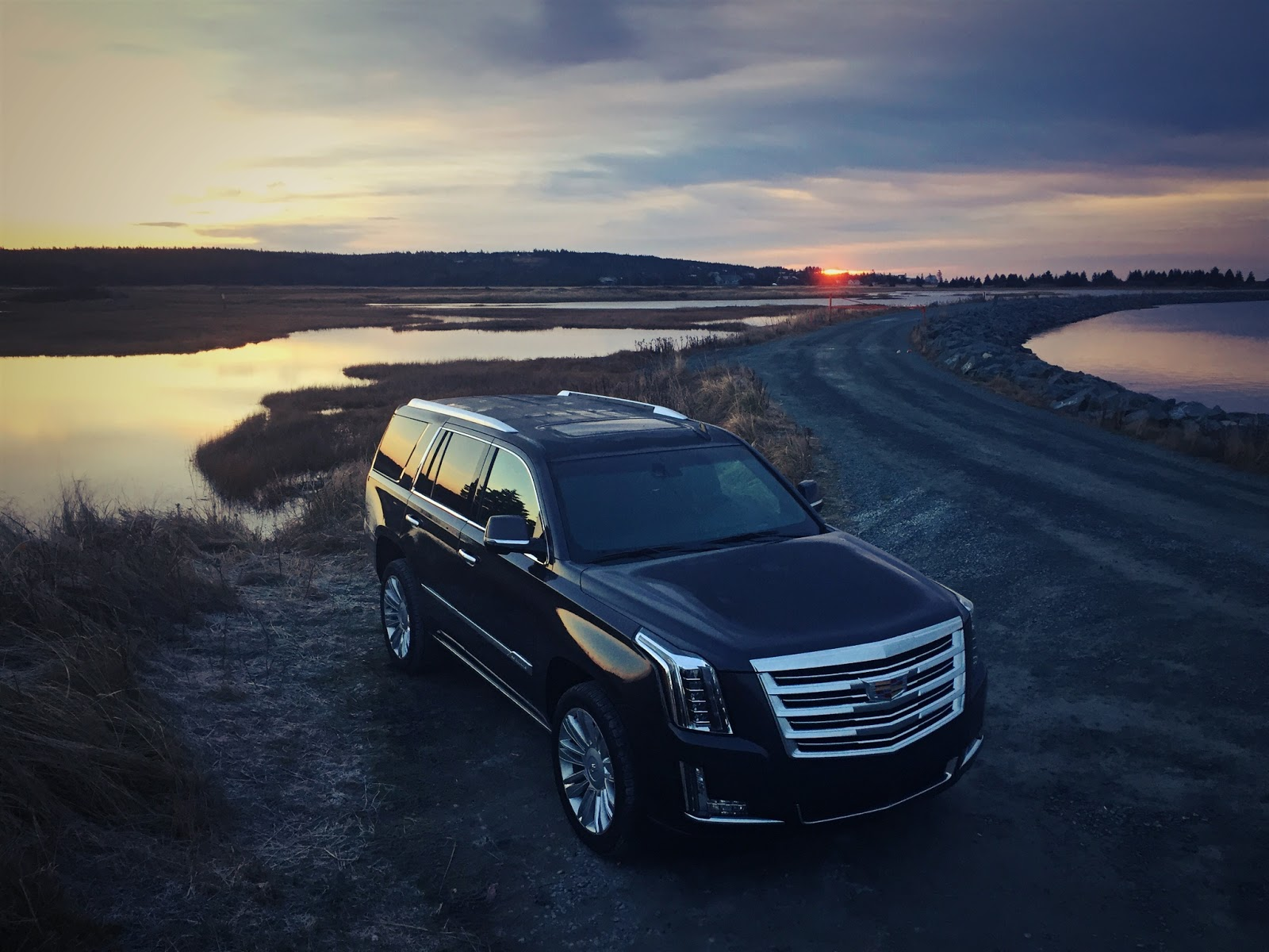 2016 cadillac escalade review detroit 39 s defining luxury vehicle gcbc. Black Bedroom Furniture Sets. Home Design Ideas