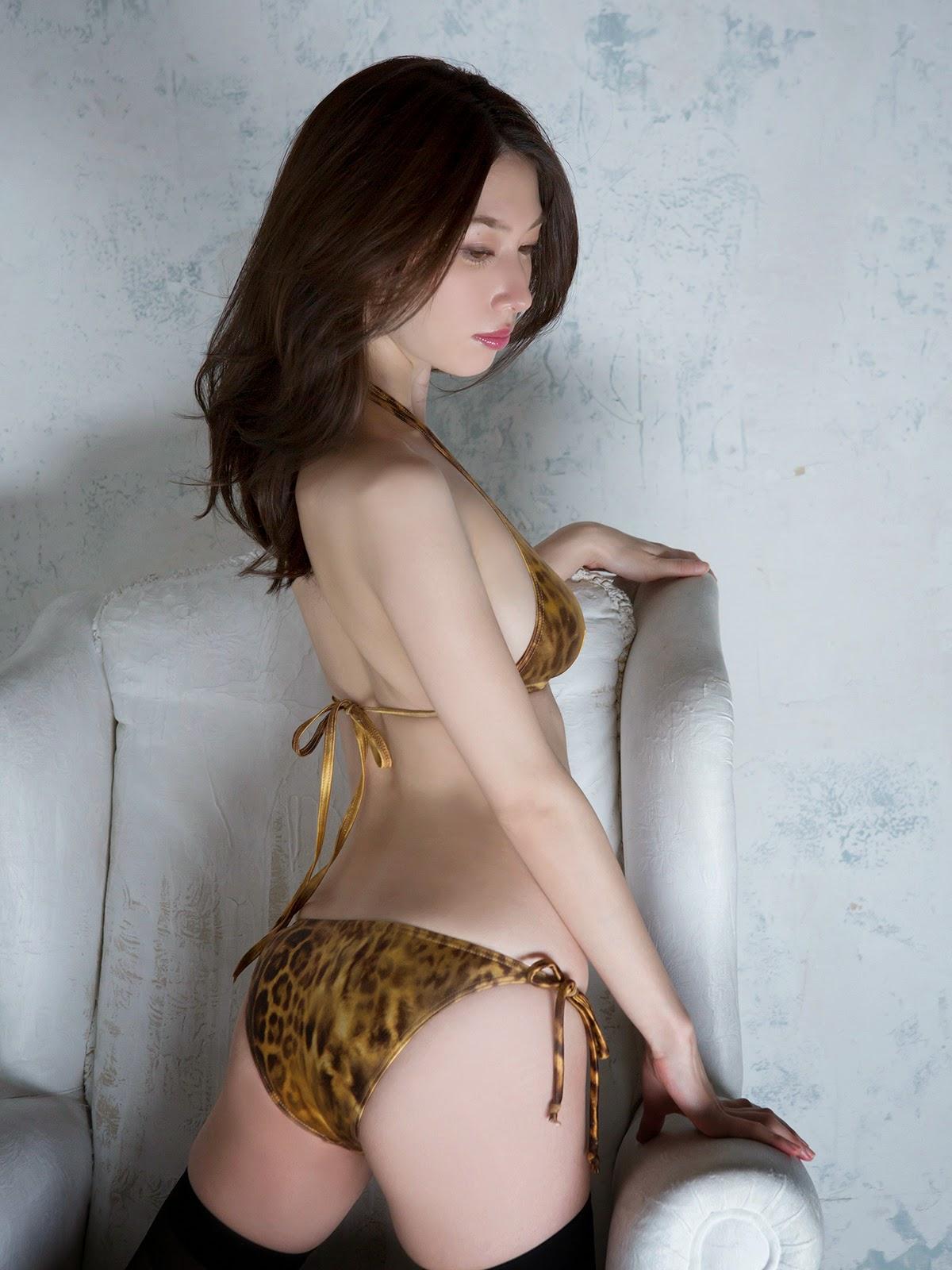 Idol Emi Kobayashi phim heo tạo dáng hấp dẫn 8