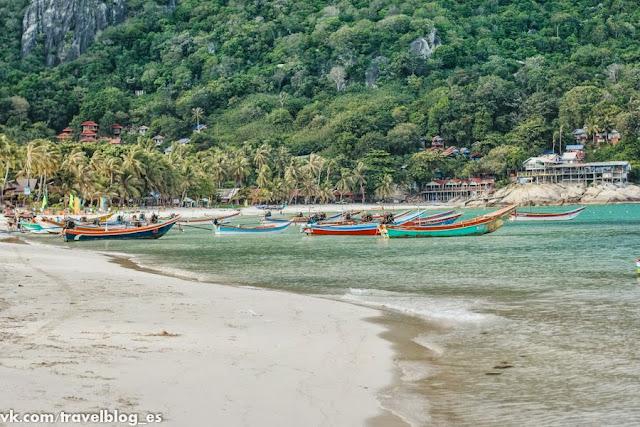 Пляж рядом с Paradise Bungalows