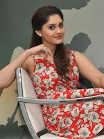Actress Surabhi Latest Sizzling Pics-cover-photo