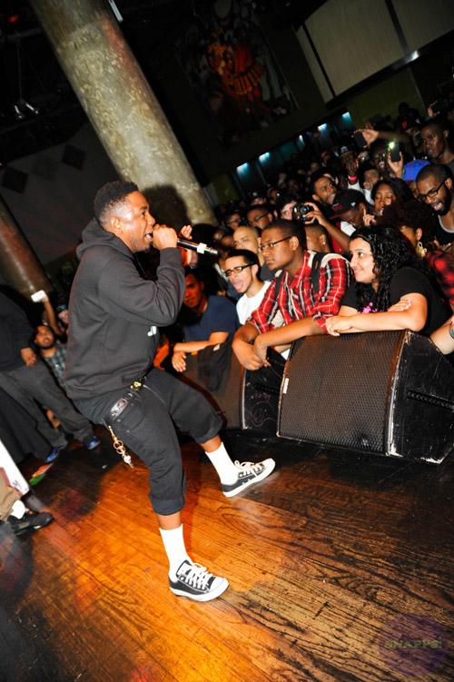 Kendrick Lamar in the Converse Chuck Taylor Black WhiteKendrick Lamar Converse