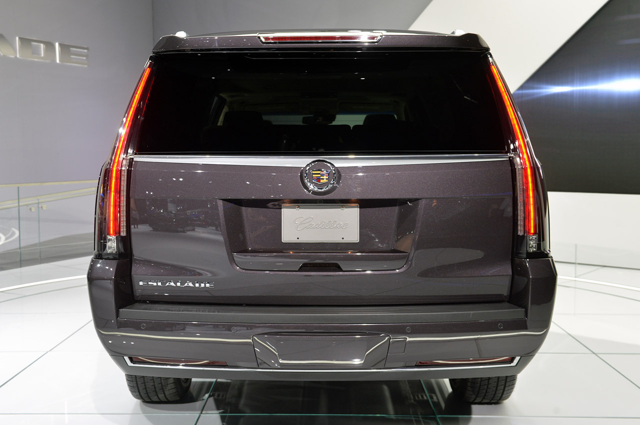 2015 cadillac escalade specs features performance review canada. Black Bedroom Furniture Sets. Home Design Ideas