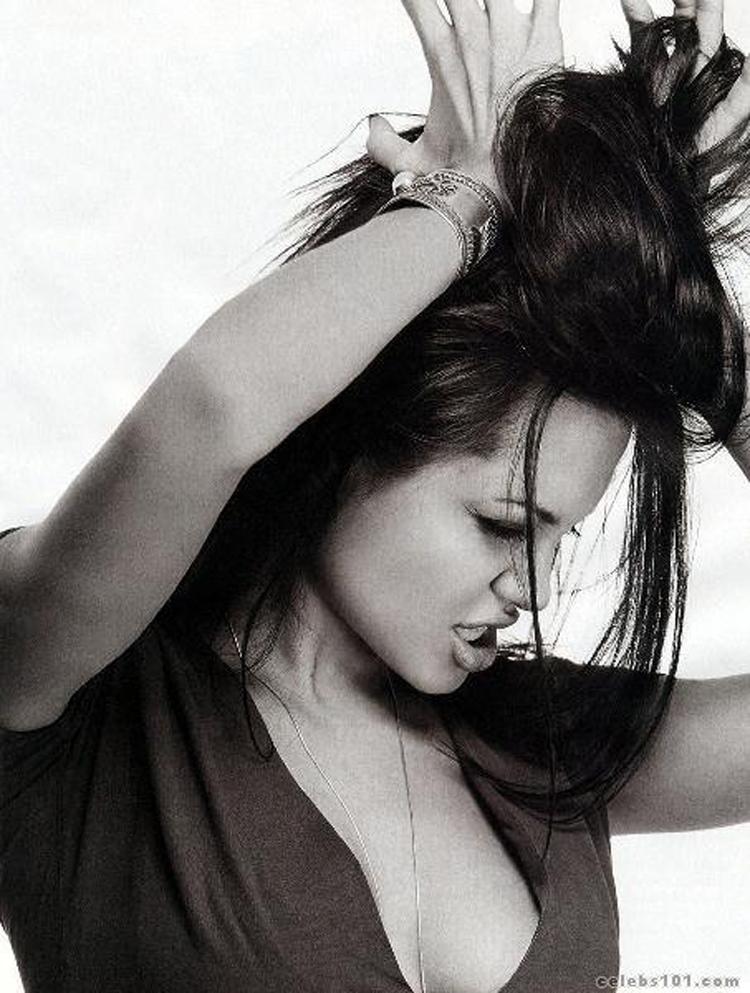 Angelina Jolie Long Haircuts 9