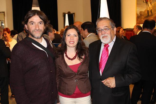 Colegio de Periodistas saluda a ex presidente Abraham Santibáñez en ceremonia de entrega del Premio Nacional de Periodismo 2015