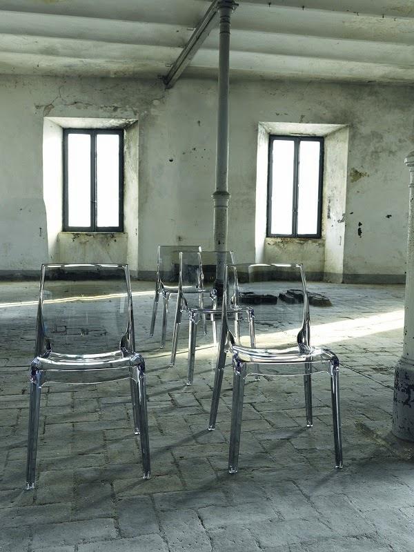 Arredamento online il blog sedie trasparenti for Sinonimo di immaginare