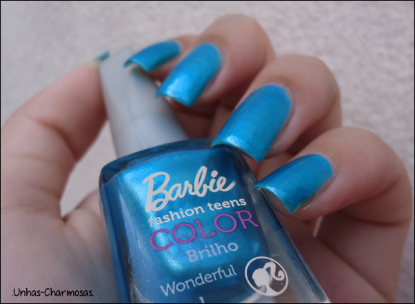 azul metálico, esmalte da barbie, esmalte wonderful da Barbie, wonderful