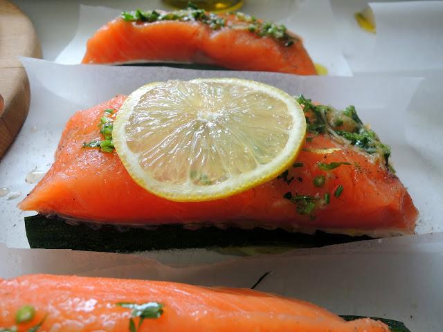 salmon en papillote ( salmon al cartoccio)