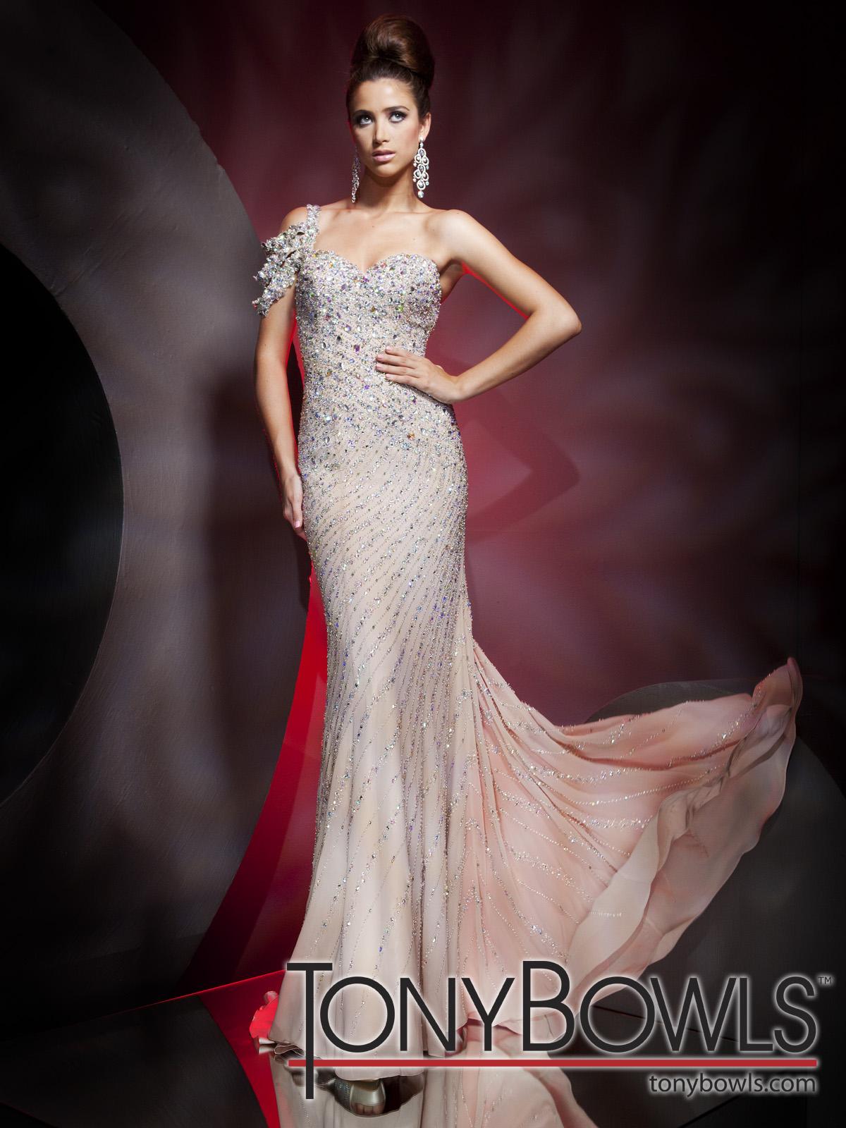 Elegante Abendkleider von Tony Bowls