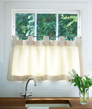 The deco blog kitchen window curtains 101 - Small kitchen window curtains ...