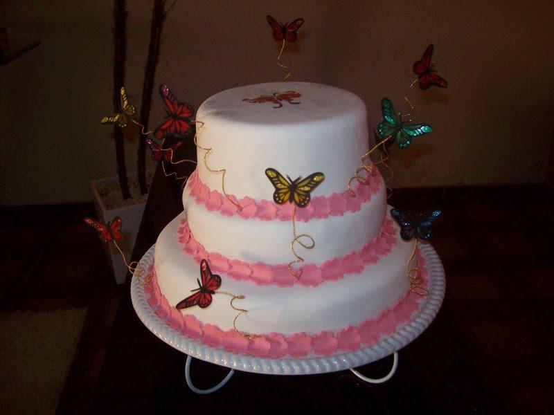 Maria gelza bolos e doces borboletas as borboletas deixaram esse bolo metade maquete ainda mais bonito altavistaventures Image collections