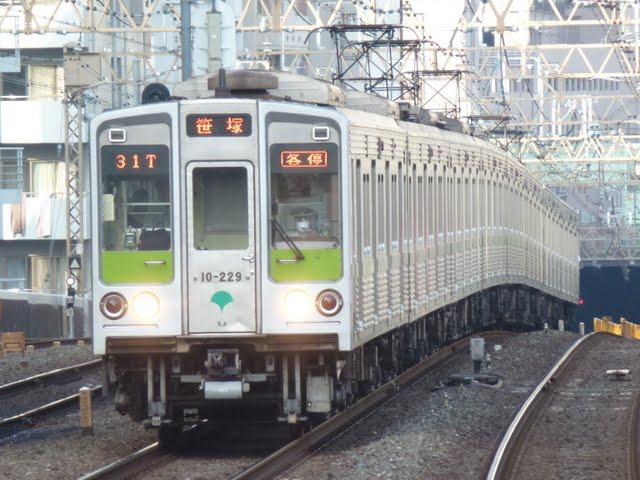 都営新宿線 各停 笹塚行き2 10-000形220F