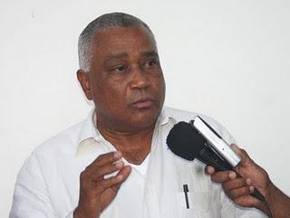 Senador de Barahona reclama terminación de los trabajos de remozamiento del Complejo Deportivo