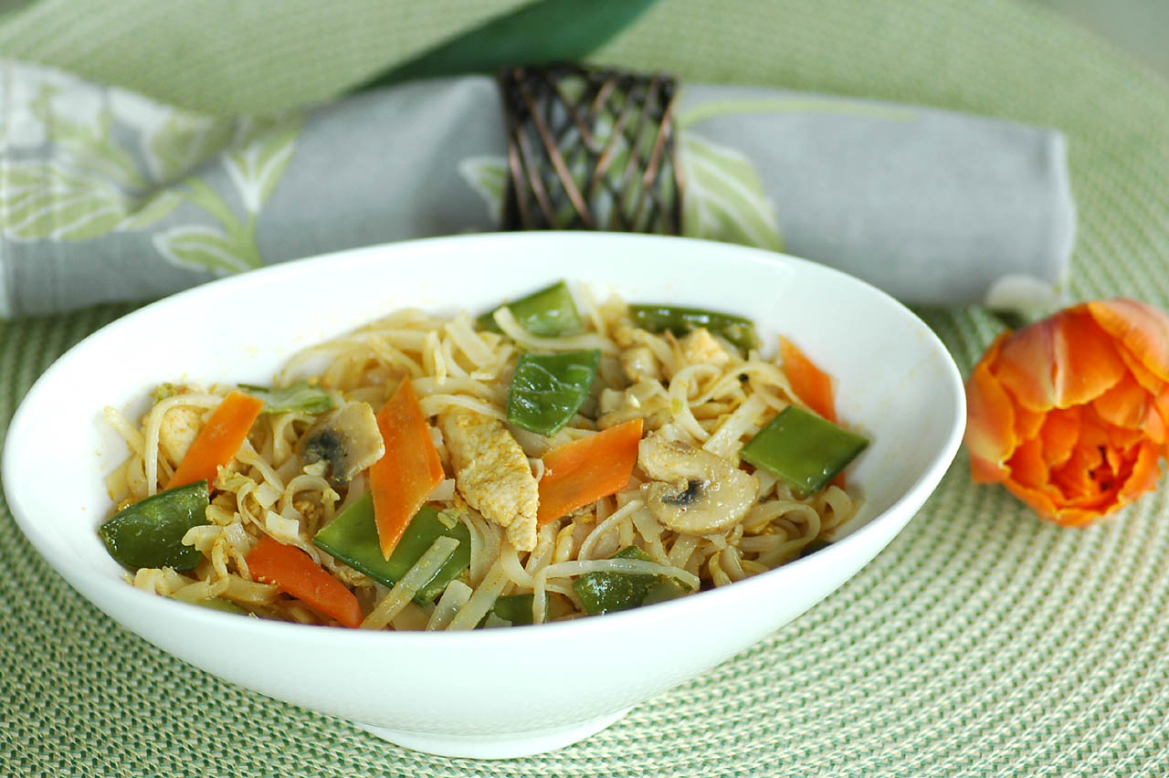 ... Time in the Kitchen: Thai Noodle Stir-Fry with Chicken and Vegetables