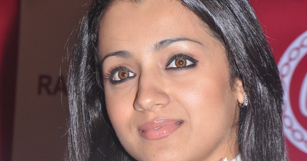 gallery trisha photos in a private event today at ramee mall launch