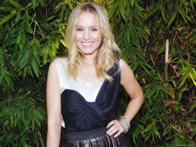 Hollywood Actress Kristen Bell Wallpaper-1600x1200-03